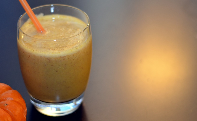Pumpkin pie meets healthy smoothie. With canned pumpkin and pumpkin ...