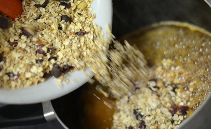 Adding dry oats mix