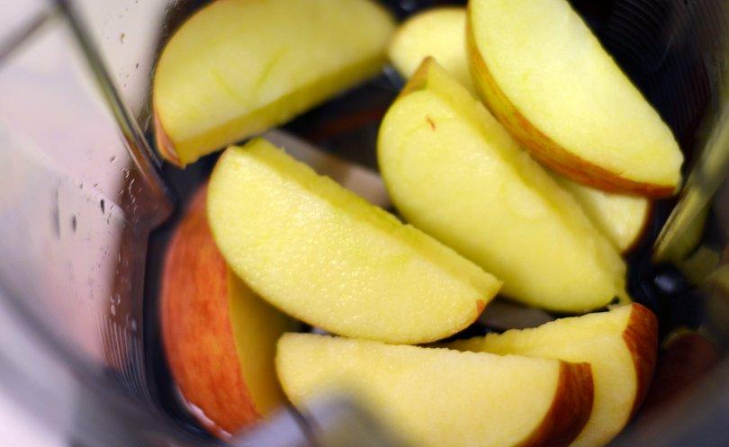 Apples in Vitamix Pro 300