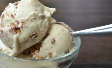 Banana ice cream featured.