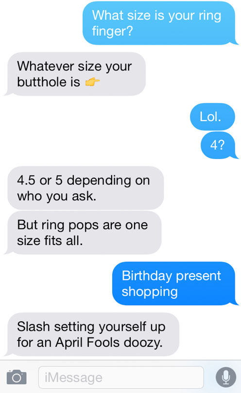 Text message screenshot asking Shalva her ring size.