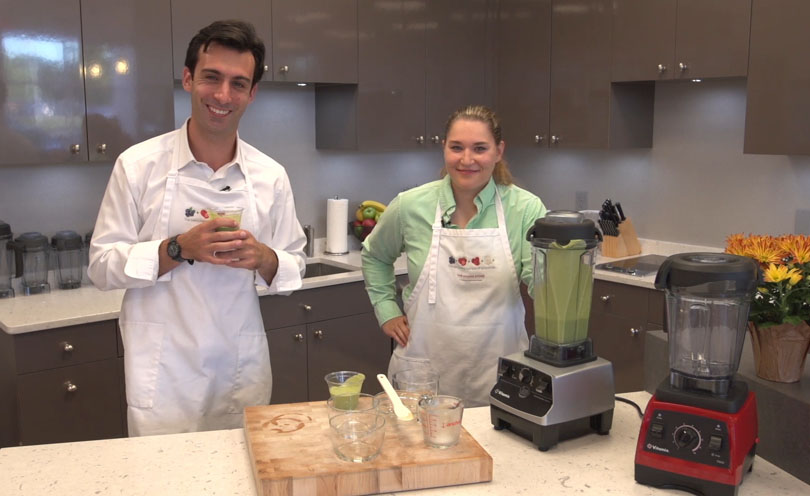 Lenny Gale at Vitamix store in Solon Ohio making Carolynes Green Smoothie with Carolyne the demonstrator.
