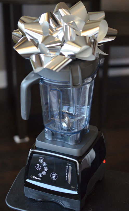 vitamix 780 with silver bow