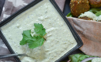Vegan tzatziki sauce featured by Life is NOYOKE.