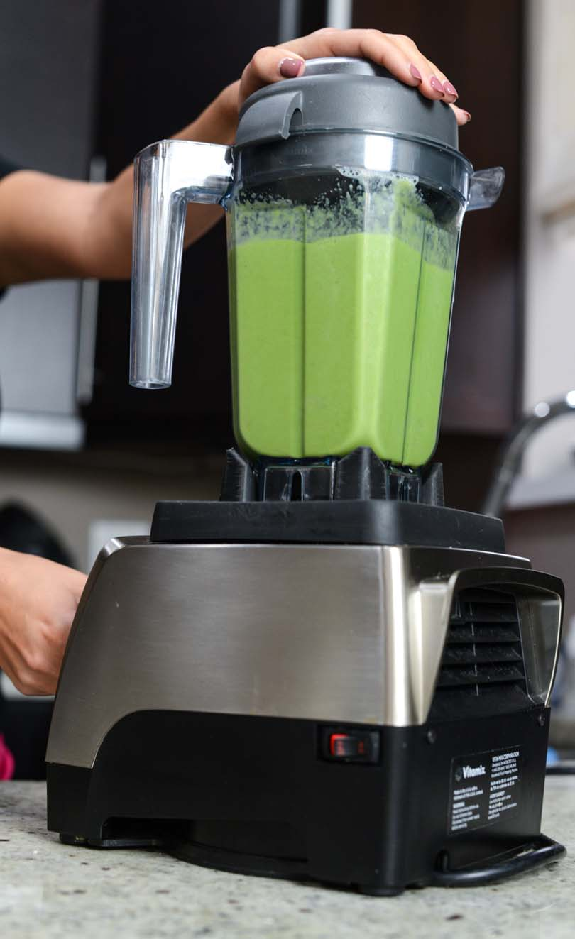 Apple banana kale smoothie in a Vitamix Pro 750.