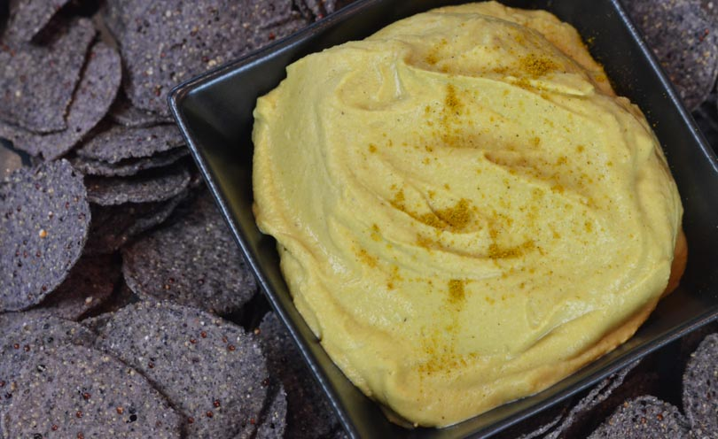Thai curry hummus featured by Life is NOYOKE.
