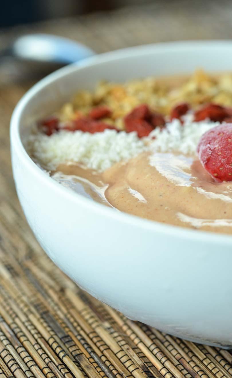 Strawberry smoothie bowl no banana.