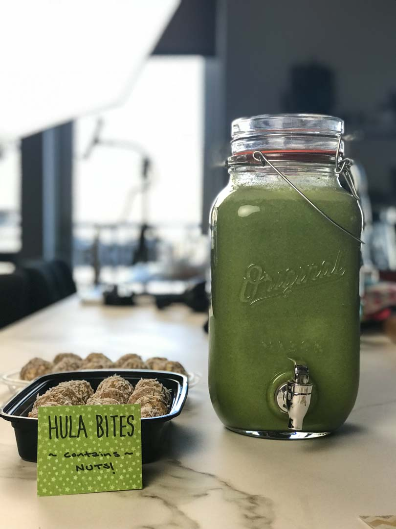 Geen juice and hula bites.